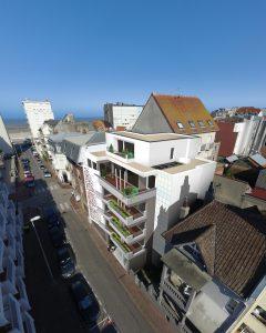 Vue aérienne du futur immeuble, insertion dans la rue Saint-Louis Le Touquet Paris-Plage