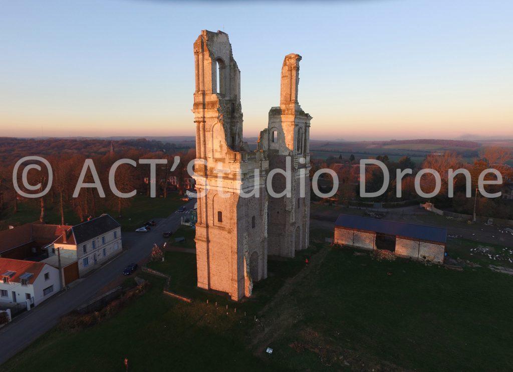 Abbaye du Mont St-Eloi, l'Abbaye vue du ciel. Photographies aériennes par drone Pas-de-Calais. ©ACT'Studio Drone.