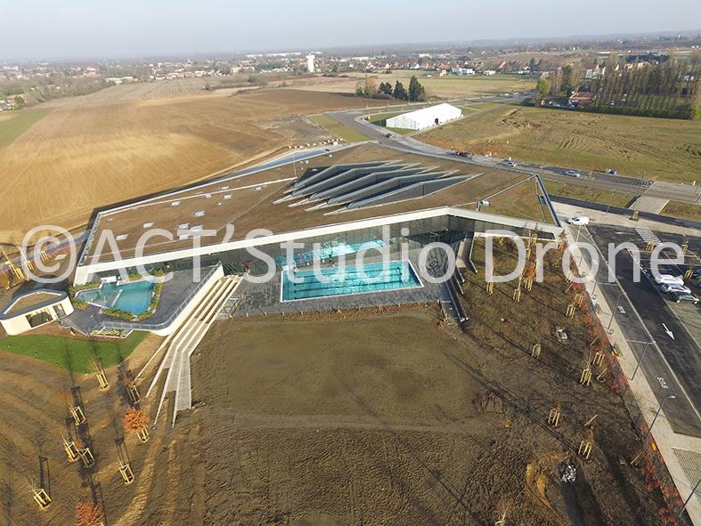 Sourcéane Douai, le centre aquatique vue du ciel. ©ACT'Studio Drone.